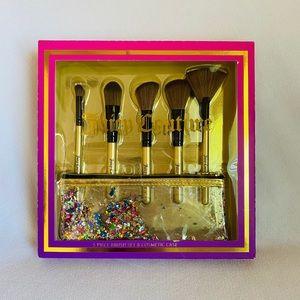 Juicy Couture 5 piece Makeup Brush Set & c…